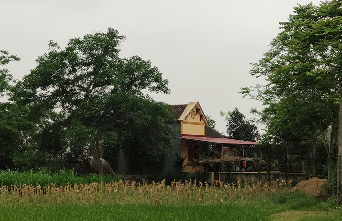 Cán bộ xã ngang nhiên xây nhà trái phép trong hành lang đê sông Mã - Ảnh 3.