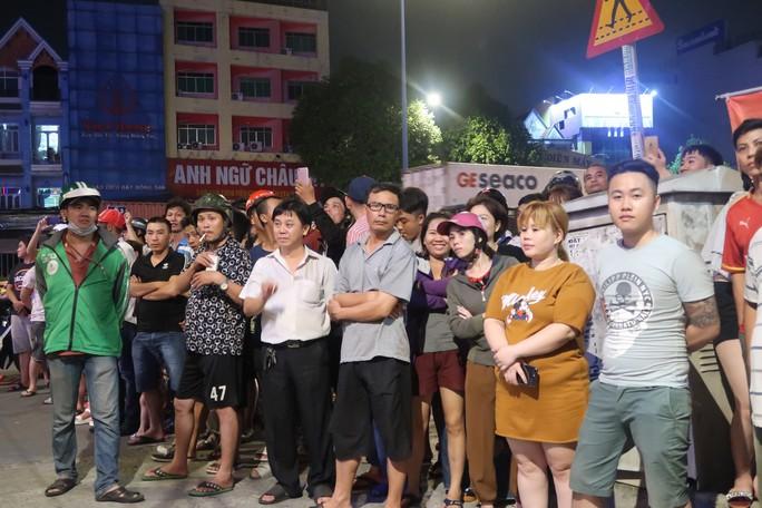 Công an TP HCM đang phong tỏa karaoke của đại gia Phúc XO - Ảnh 1.