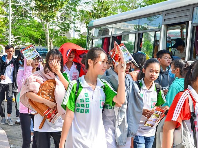 Trường ĐH Võ Trường Toản tài trợ học bổng cho 100% thí sinh nhập học - Ảnh 1.