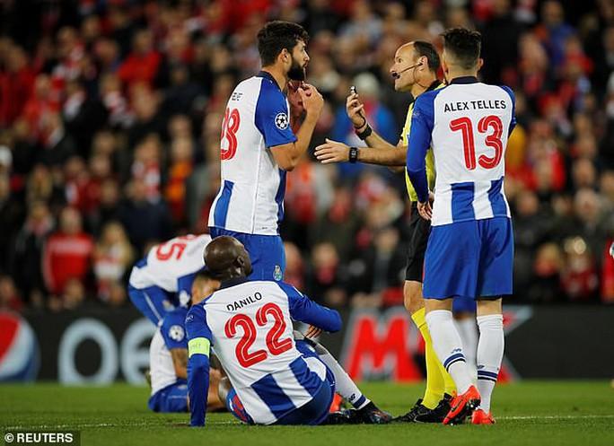 Salah thoát thẻ đỏ, Liverpool thắng dễ Porto ở Anfield - Ảnh 5.