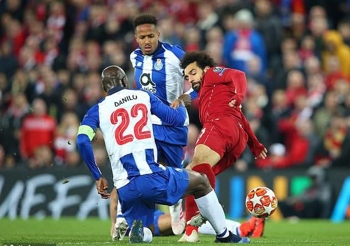 Salah thoát thẻ đỏ, Liverpool thắng dễ Porto ở Anfield - Ảnh 4.