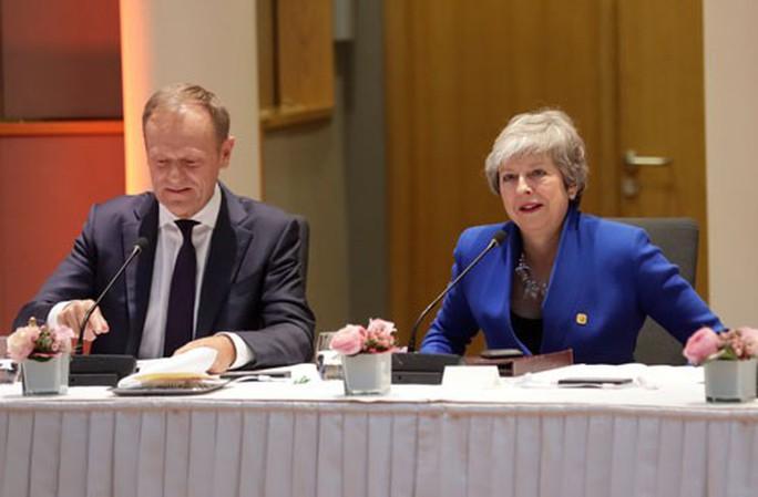 EU gia hạn Brexit 6 tháng - Ảnh 1.