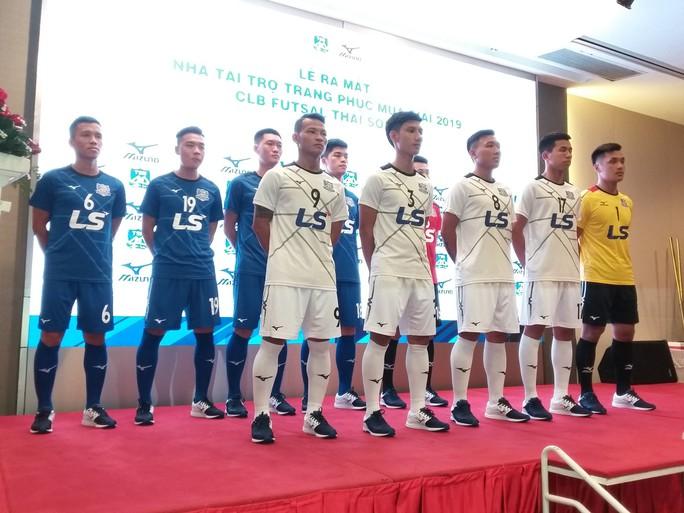 Futsal Thái Sơn Nam tiếp tục được thương hiệu Mizuno tài trợ trang phục - Ảnh 2.