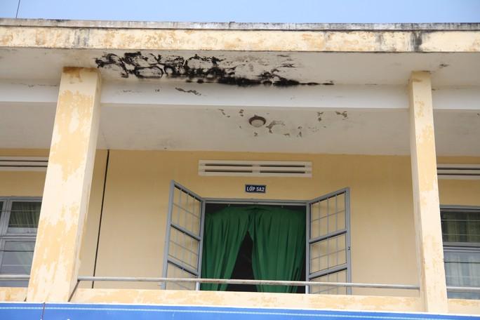 Vụ trường chuẩn quốc gia chờ sập: Huyện chi hơn 700 triệu đồng sửa chữa - Ảnh 6.
