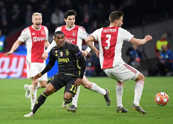 Man United gục ngã sân nhà, Juventus rơi chiến thắng ở Amsterdam - Ảnh 12.
