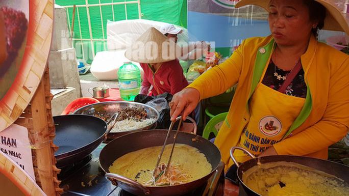Giỗ tổ Hùng Vương, đến Cần Thơ thưởng thức hơn 100 loại bánh dân gian - Ảnh 7.