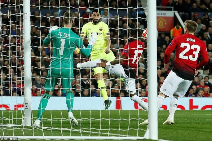 Man United gục ngã sân nhà, Juventus rơi chiến thắng ở Amsterdam - Ảnh 3.