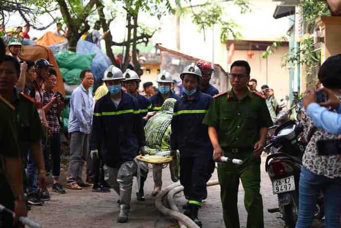 Cháy 8 người chết, Hà Nội yêu cầu kiểm điểm hàng loạt cơ quan - Ảnh 1.