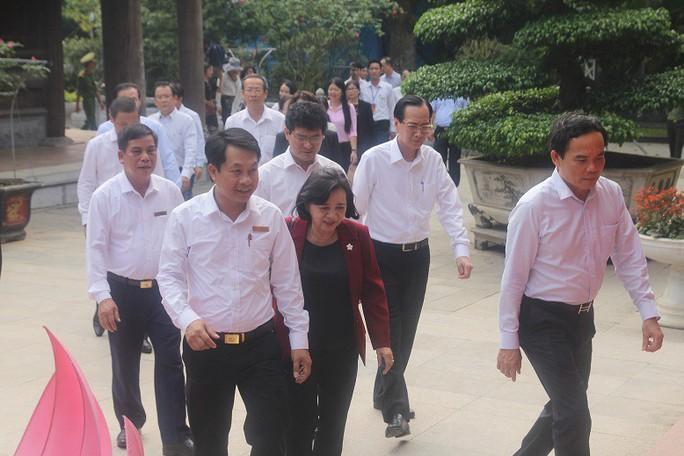 Lãnh đạo TP HCM dâng hoa, dâng hương tại Khu di tích Kim Liên - Ảnh 5.