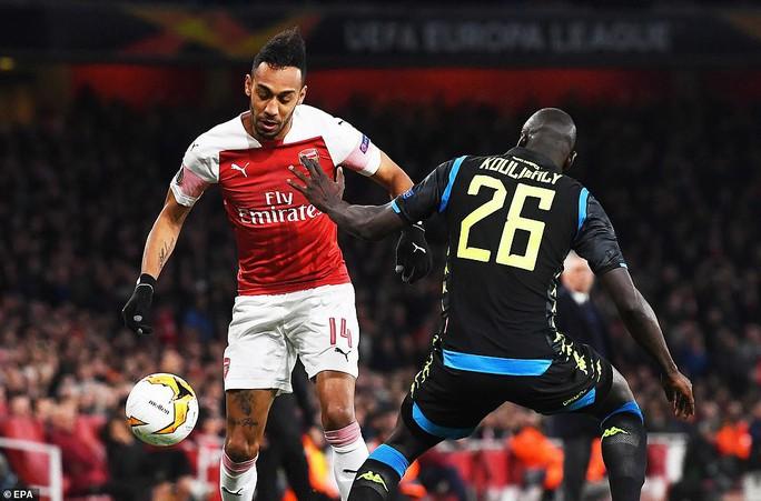 Tiền vệ ngựa chứng ghi bàn, Arsenal hạ gục Napoli tại Europa League - Ảnh 2.