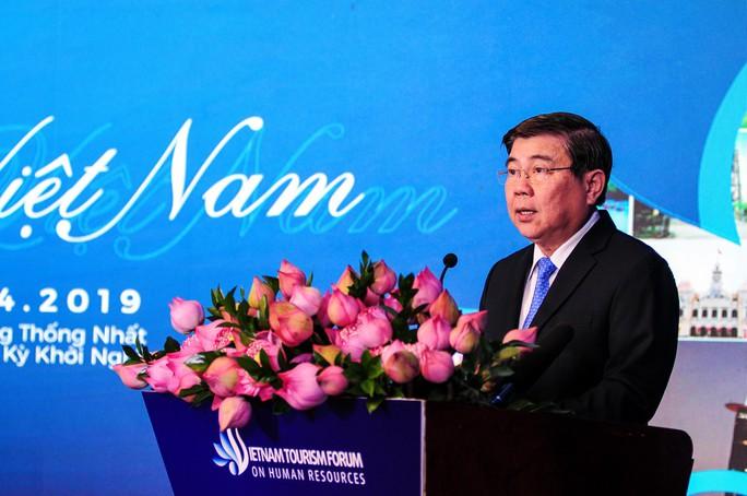 Thủ tướng Nguyễn Xuân Phúc trăn trở về nguồn nhân lực du lịch - Ảnh 2.