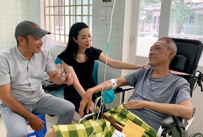 Kỳ nữ Kim Cương động viên nghệ sĩ Lê Bình điều trị ung thư theo liệu pháp mới - Ảnh 5.