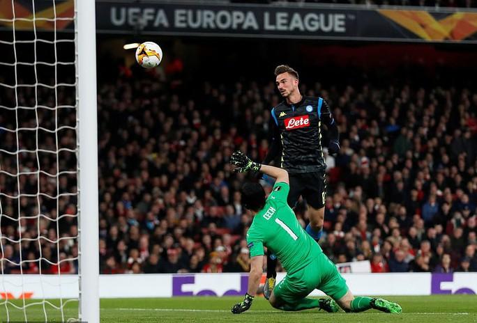 Tiền vệ ngựa chứng ghi bàn, Arsenal hạ gục Napoli tại Europa League - Ảnh 5.