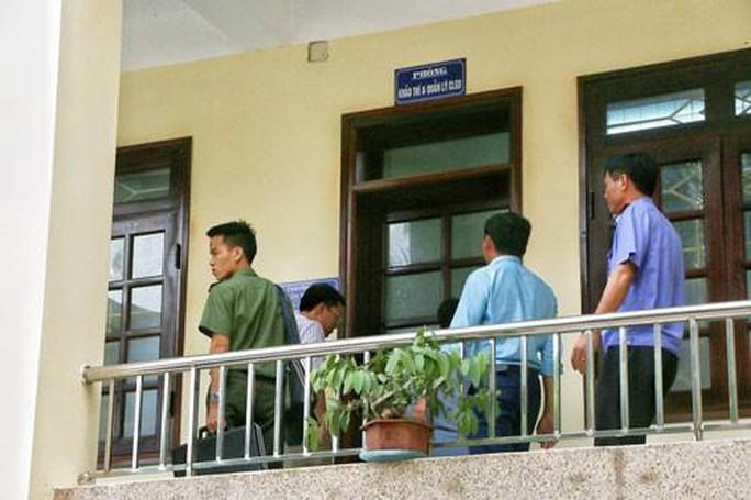 Gian lận thi THPT ở Sơn La: Điều tra việc phụ huynh có mua điểm thi hay không - Ảnh 1.