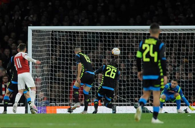 Tiền vệ ngựa chứng ghi bàn, Arsenal hạ gục Napoli tại Europa League - Ảnh 4.