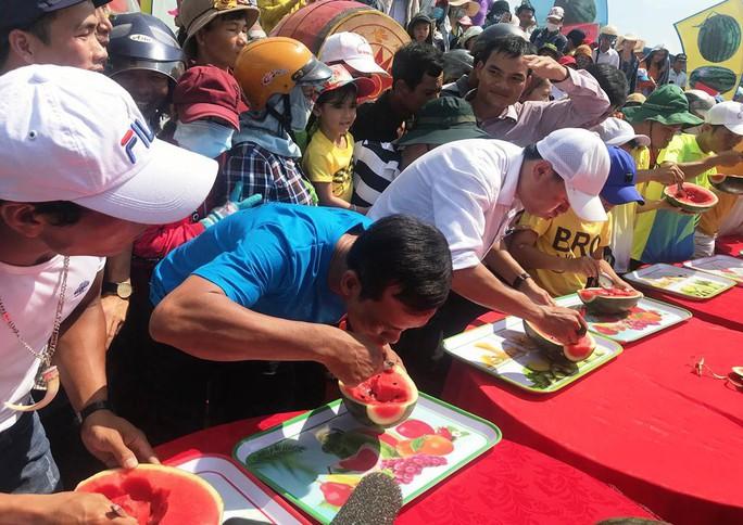 Đặc sắc Lễ hội dưa hấu lần đầu tiên ở Việt Nam - Ảnh 11.