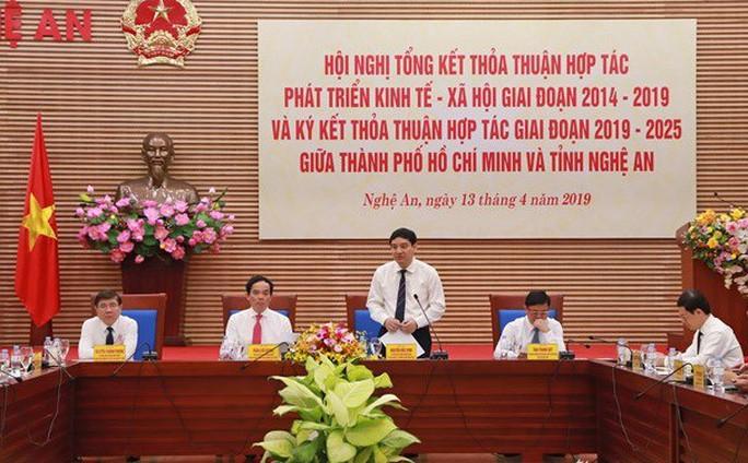 TP HCM và Nghệ An ký nhiều thỏa thuận hợp tác lớn - Ảnh 2.