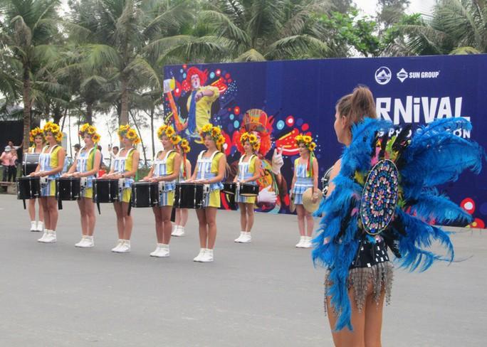 Mãn nhãn lễ hội Carnival đường phố lần đầu tiên xuất hiện tại Sầm Sơn - Ảnh 8.