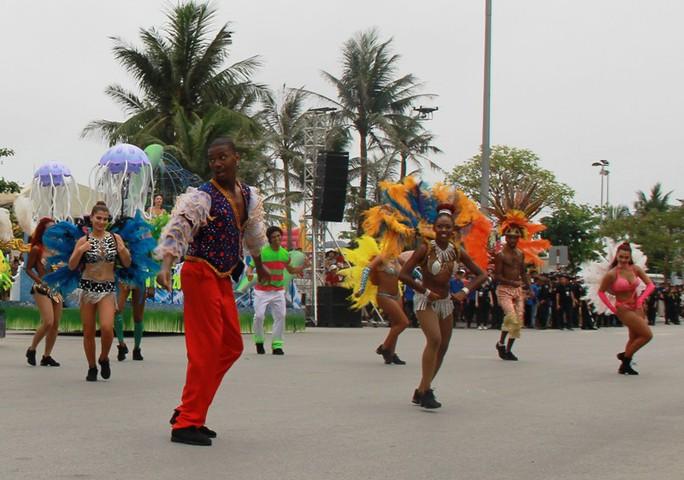 Mãn nhãn lễ hội Carnival đường phố lần đầu tiên xuất hiện tại Sầm Sơn - Ảnh 5.