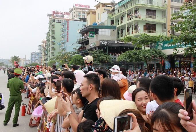 Mãn nhãn lễ hội Carnival đường phố lần đầu tiên xuất hiện tại Sầm Sơn - Ảnh 15.