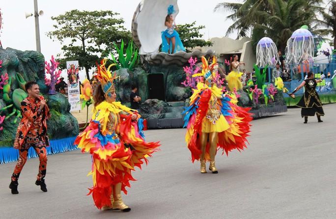 Mãn nhãn lễ hội Carnival đường phố lần đầu tiên xuất hiện tại Sầm Sơn - Ảnh 7.