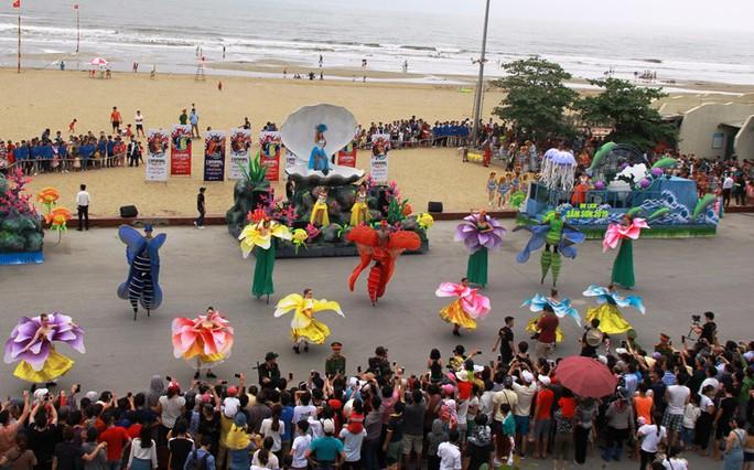 Mãn nhãn lễ hội Carnival đường phố lần đầu tiên xuất hiện tại Sầm Sơn - Ảnh 10.