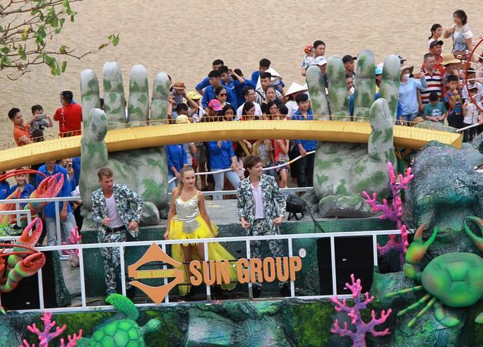 Mãn nhãn lễ hội Carnival đường phố lần đầu tiên xuất hiện tại Sầm Sơn - Ảnh 13.
