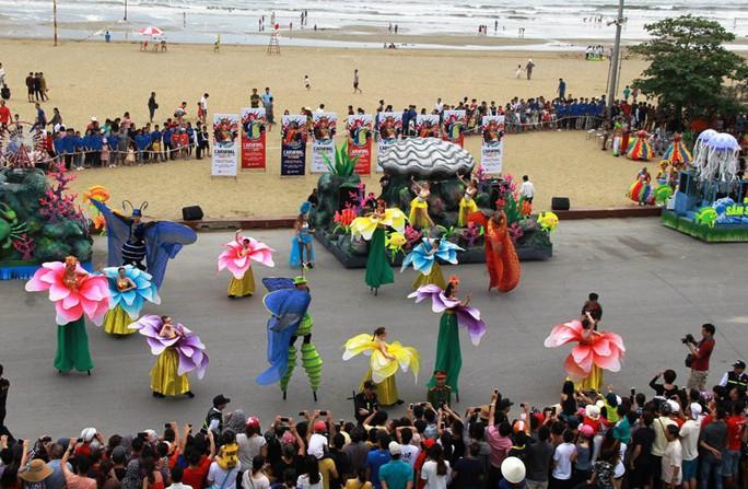 Mãn nhãn lễ hội Carnival đường phố lần đầu tiên xuất hiện tại Sầm Sơn - Ảnh 9.