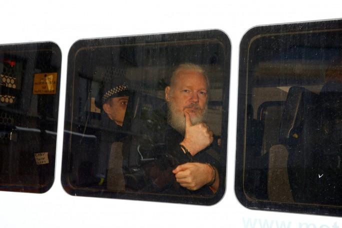 Tổng thống Ecuador: Nhà sáng lập WikiLeaks muốn biến đại sứ quán thành trung tâm gián điệp - Ảnh 2.