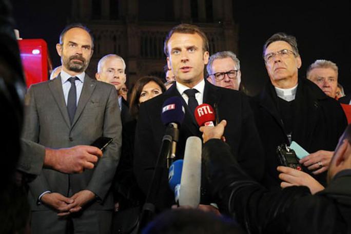 Cháy nhà thờ Đức Bà Paris: Nỗi đau khôn nguôi - Ảnh 2.