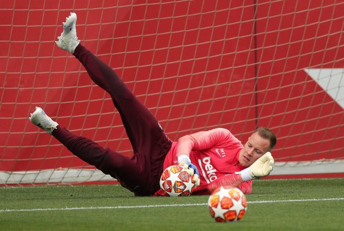 Stegen cảnh báo M.U: Đừng mơ làm gỏi Barcelona như với PSG - Ảnh 1.