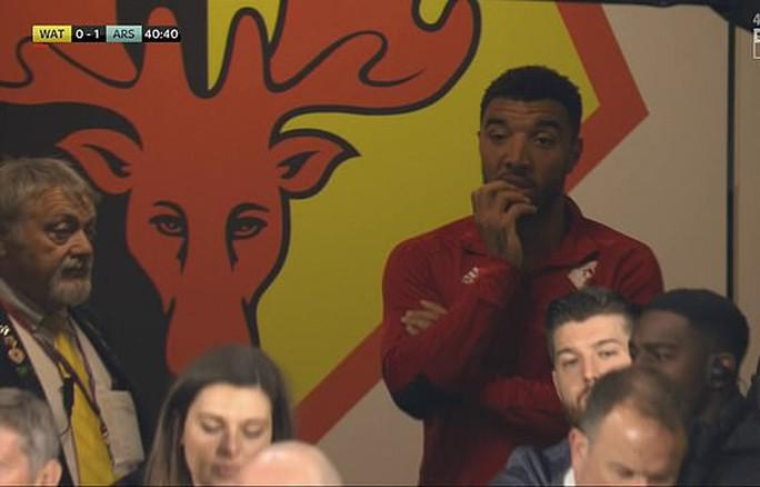 Thủ môn Watford tặng bàn thắng hy hữu, Arsenal vào Top 4 - Ảnh 8.