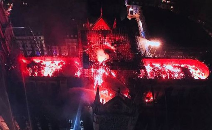 Cháy Nhà thờ Đức Bà Paris: Các lãnh đạo thế giới đề nghị hỗ trợ Pháp - Ảnh 6.