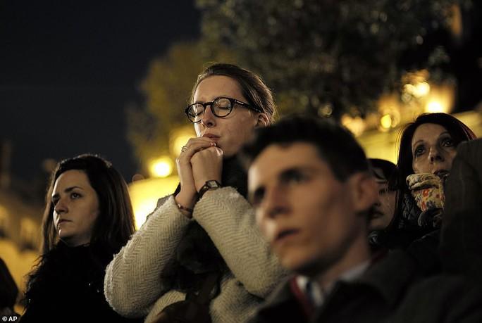 Mất mát không thể bù đắp khi Nhà thờ Đức Bà Paris bị cháy - Ảnh 9.