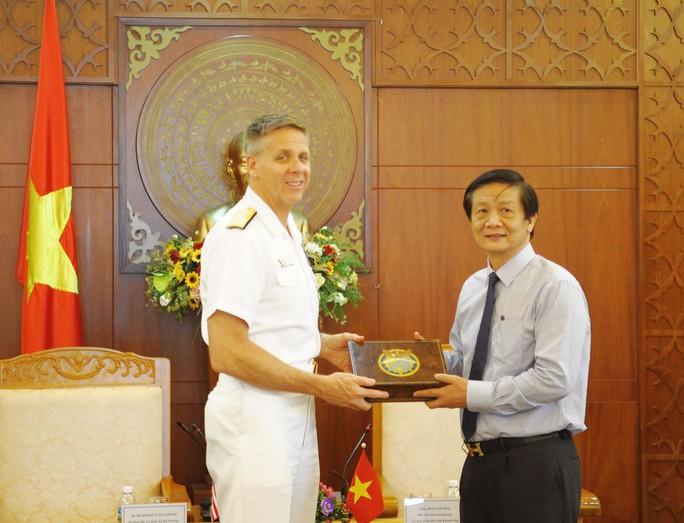 Tàu sân bay của Mỹ muốn đến thăm Khánh Hòa - Ảnh 2.