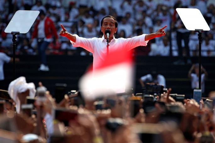 Bầu cử Indonesia: Tổng thống Widodo dẫn trước đối thủ - Ảnh 1.