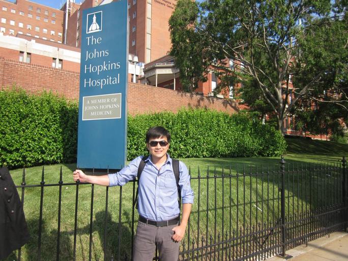 Giáo sư trẻ tuổi của Đại học Johns Hopkins là người Việt Nam  - Ảnh 2.