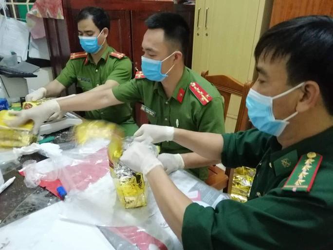 Truy nã quốc tế ông trùm Đài Loan trong vụ bắt giữ 700 kg ma túy đá - Ảnh 2.