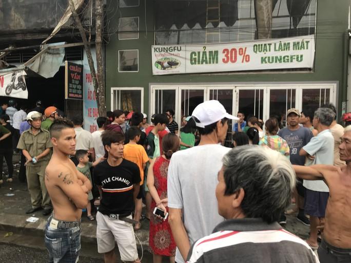 3 người chết trong cửa hàng bị cháy - Ảnh 3.