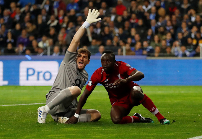Siêu tiền đạo lập công ở hang rồng, Liverpool vào bán kết Champions League - Ảnh 3.