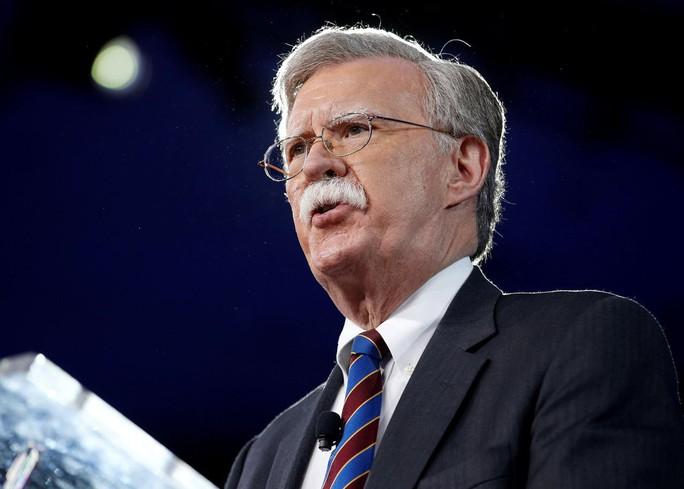Mỹ trừng phạt Ngân hàng Trung ương Venezuela, cảnh báo Nga - Ảnh 1.