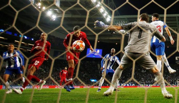 Siêu tiền đạo lập công ở hang rồng, Liverpool vào bán kết Champions League - Ảnh 6.