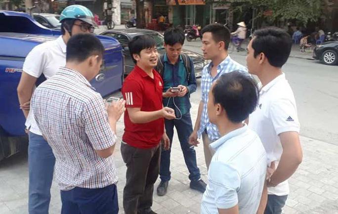 Nhiều cán bộ công an xuất hiện tại trụ sở Thanh tra tỉnh Thanh Hóa - Ảnh 5.