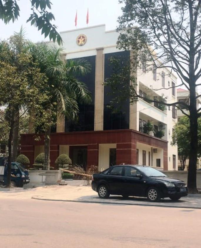 Bắt quả tang 1 cán bộ Thanh tra tỉnh Thanh Hóa đang nhận tiền của người bị thanh tra - Ảnh 1.