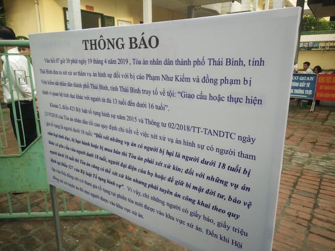 Xử kín vụ cựu Phó phòng Cảnh sát Kinh tế Công an tỉnh Thái Bình và đồng phạm xâm hại nữ sinh lớp 9 - Ảnh 2.
