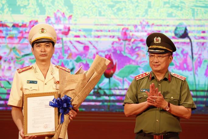 Bổ nhiệm Phó Giám đốc Công an Quảng Ninh làm Giám đốc Công an Bình Dương - Ảnh 2.