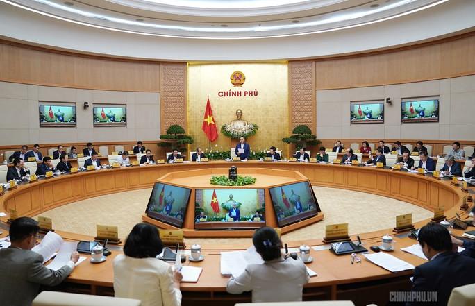 Họp Chính phủ, Thủ tướng nhắc vụ chùa Ba Vàng, bạo hành nữ sinh lớp 9 - Ảnh 2.