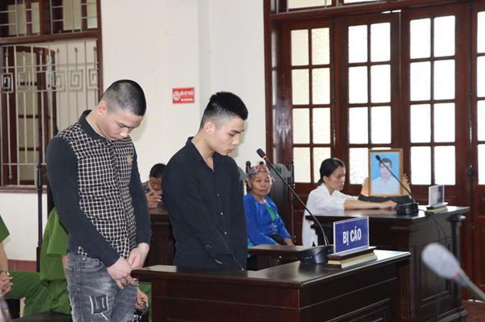 Sát hại tài xế cướp xe taxi, 2 bị cáo 20 và 22 tuổi cùng lĩnh án tử - Ảnh 1.