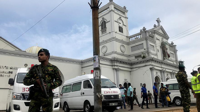 Sri Lanka: Nhà thờ và khách sạn bị đánh bom, ít nhất 138 người chết - Ảnh 2.