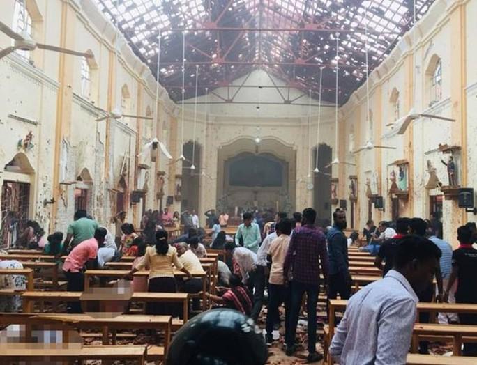 Sri Lanka: Nhà thờ và khách sạn bị đánh bom, ít nhất 138 người chết - Ảnh 1.